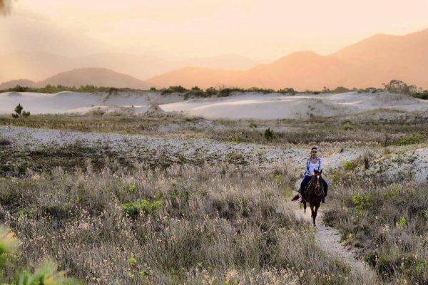 procurando aventura dixas de trilhas na praia do rosa